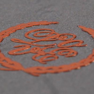 sticker-metallico-arancione-dettaglio